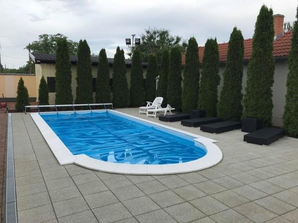 Letakart betonszerkezetű medence
